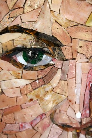 мозаичный портрет  глаз крупным планом