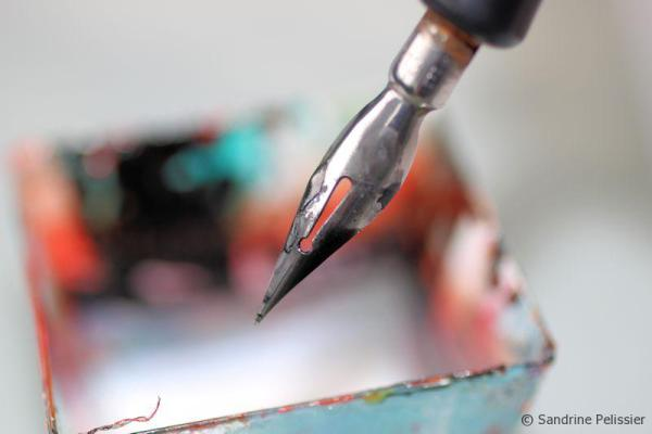 маскирующий флюид для акварели наносить перьевой ручкой